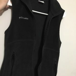 Black fleece Columbia Vest